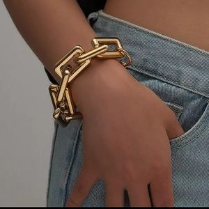 NEW 18k gold plated bracelet